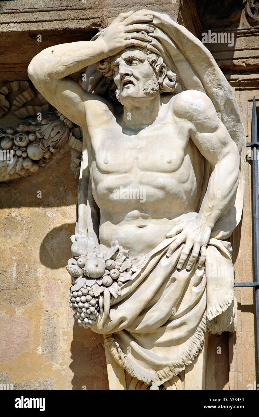 Construction Aix En Provence pavillon vendôme in aix en provence, france. atlante, statue