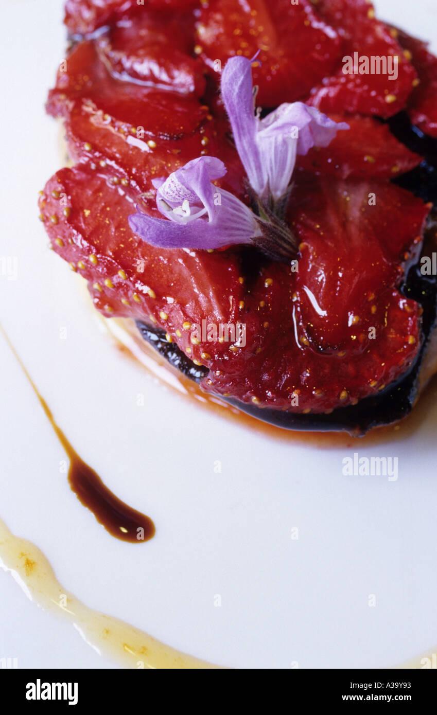 foie-gras con fresas y vinagre viejo, restaurant fonda xesc, gombren, catalonia, spain - Stock Image