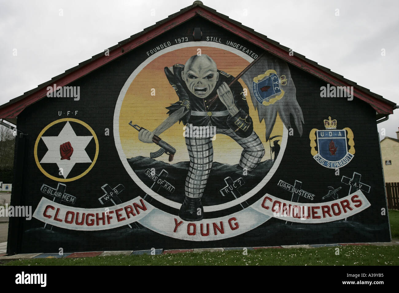 cloughfern young conquerors loyalist wall mural UFF UDA newtownabbey county antrim northern ireland - Stock Image