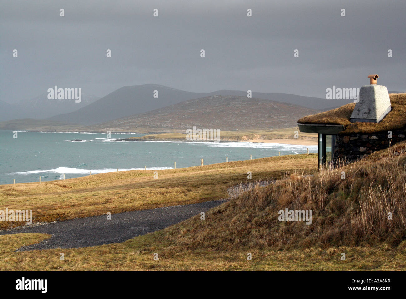 Blue Reef Cottages and Scarista Beach, Scarista, Isle of Harris, Outer Hebrides in Scotland - Stock Image