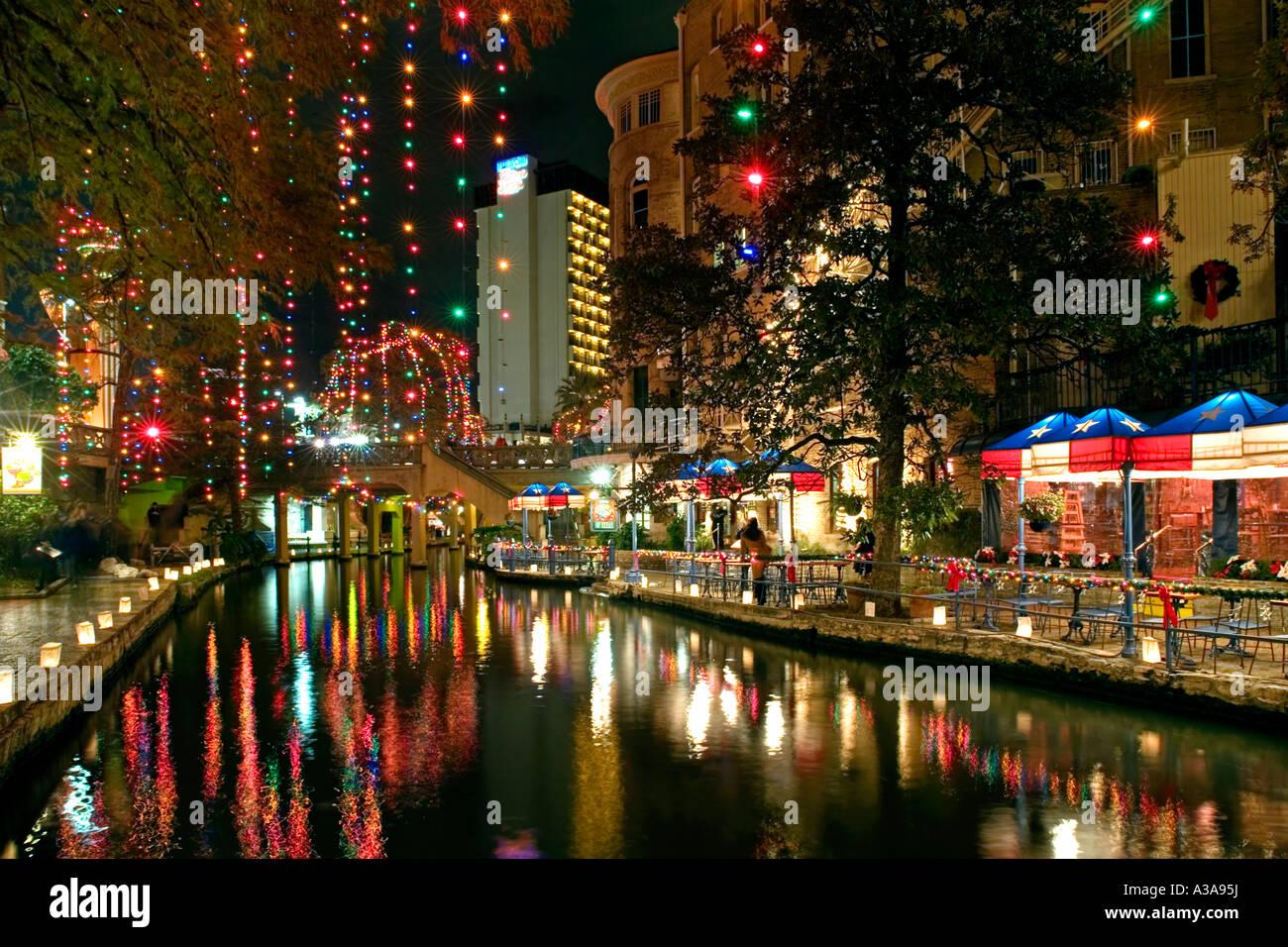 Riverwalk San Antonio Christmas.San Antonio Texas River Walk At Night With Christmas Lights