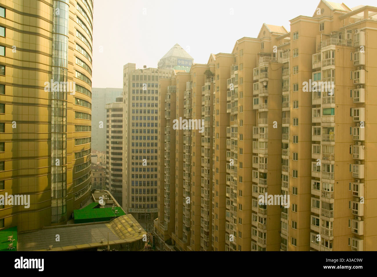 High Rise apartment complex, Shanghai, China - Stock Image