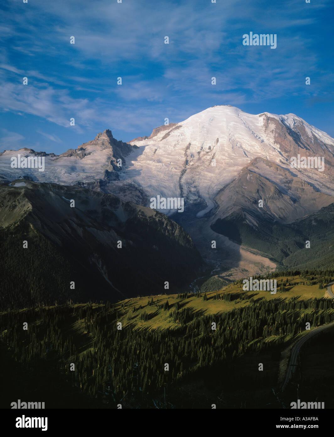 Mt Rainier National Park, WA, USA, Sunrise Area, First Light on the Summit, 14410 ft, NE Face, Emmons Glacier, Valley, Meadow - Stock Image