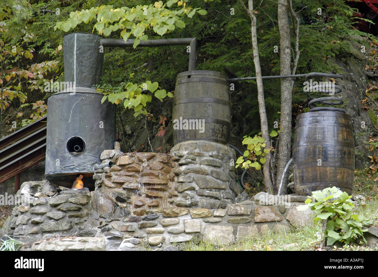 P25 094 Smoky Mountains, Moonshine Still at Hillbilly Golf, Gatlinburg TN - Stock Image