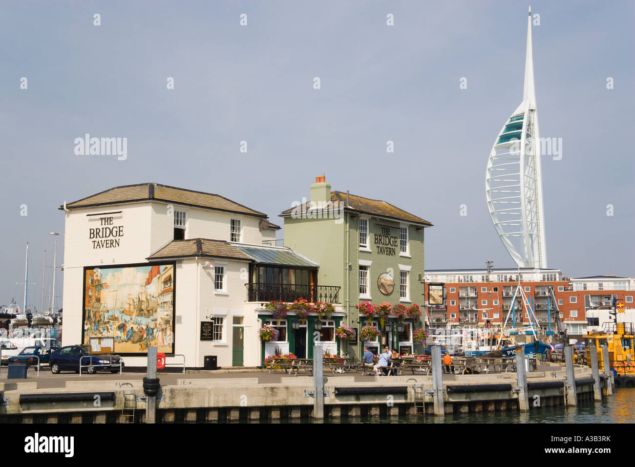 ENGLAND Hampshire Portsmouth Camber in Old Portsmouth showing the Spinnaker Tower behind the Bridge Tavern Stock Photo
