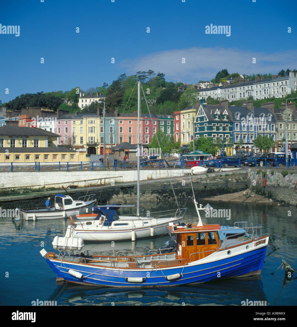 Boats, harbour and waterfront buildings, Cobh, Waterford, Eire. - Stock Image
