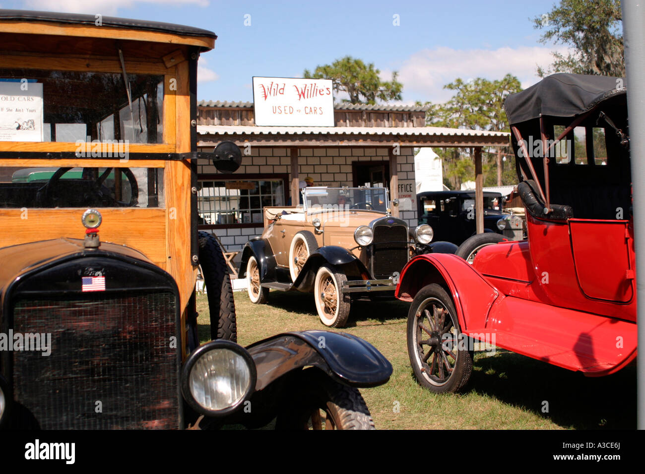 Antique used car lot at Old-Timer farm implements and antique cars ...