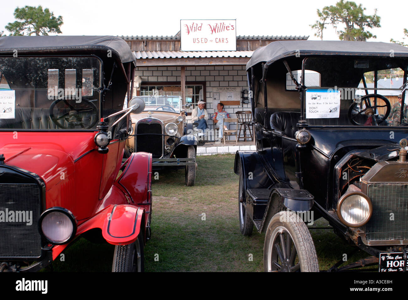 Wild Willie\'s old timer car lot at Old-Timer farm implements and ...