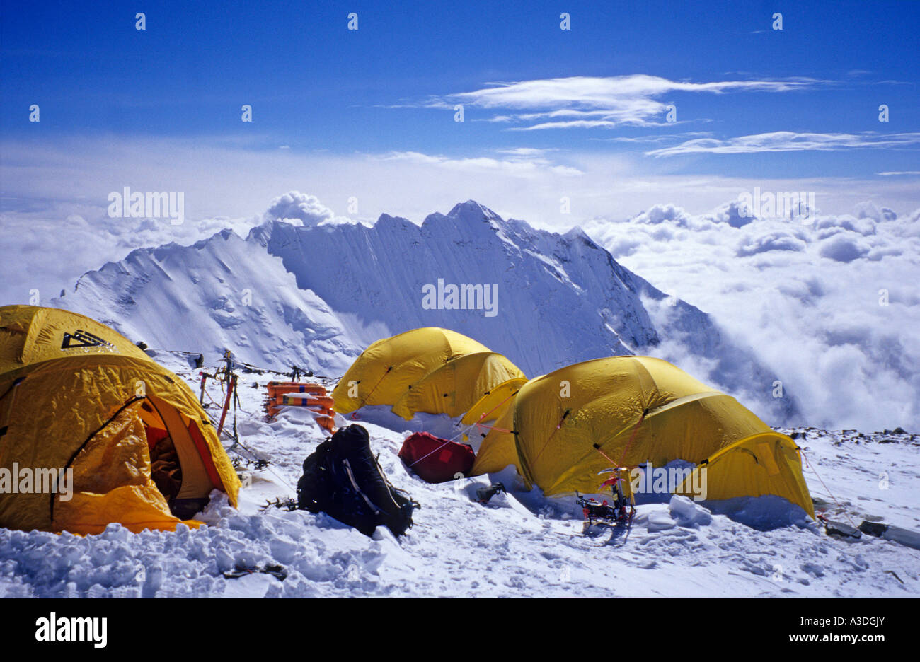 Camp IV, 4 (7950m), South Col, Mount Everest, with view on Nuptse, Himalaya, Nepal - Stock Image