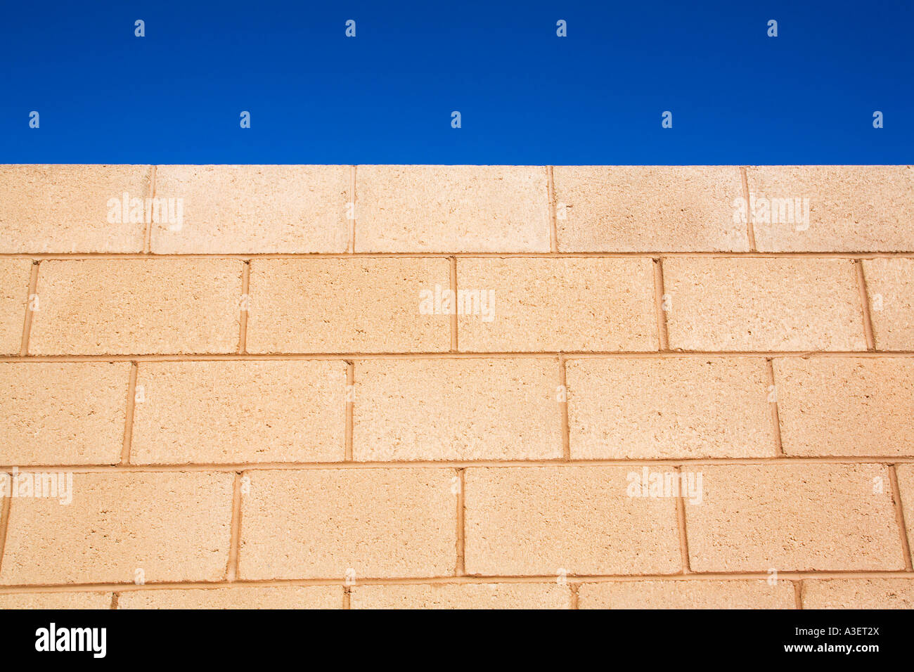 Cinder block wall Stock Photo: 10764577 - Alamy