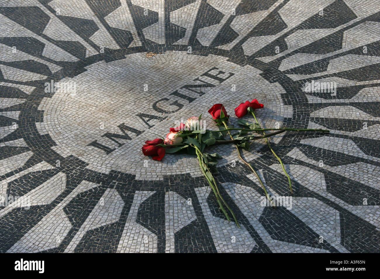 John Lennon Imagine Memorial Central Park Upper West Side New York Stock Photo Alamy