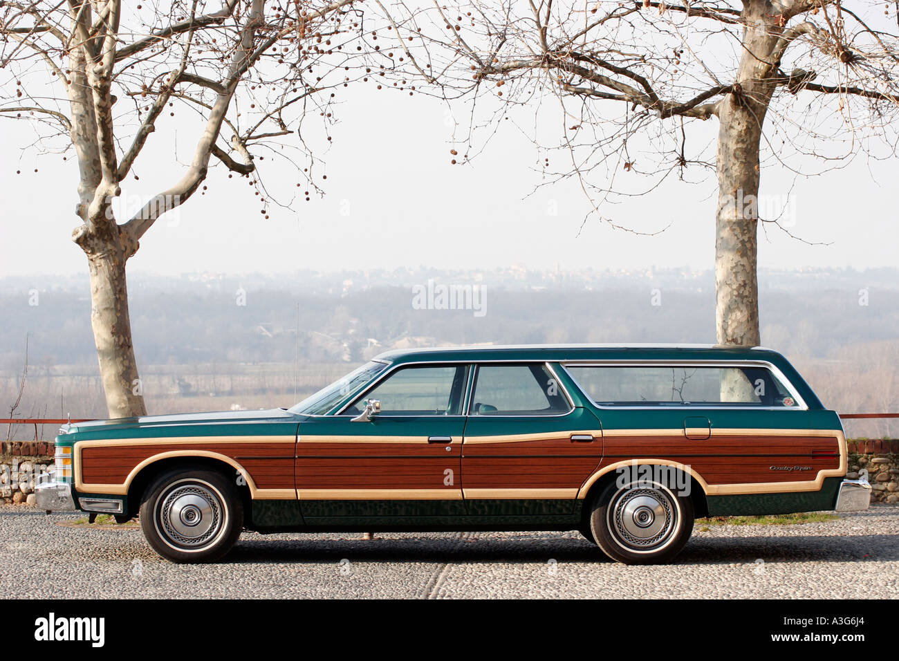 Ford Country Squire Station Wagon Stock Photos 1954 Ltd 1977 Image