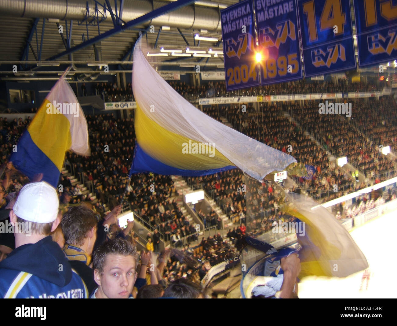ice hockey match  HV71 versus Timrå IK at the Kinnarps Arena in jonkoping, sweden january 2007 - Stock Image