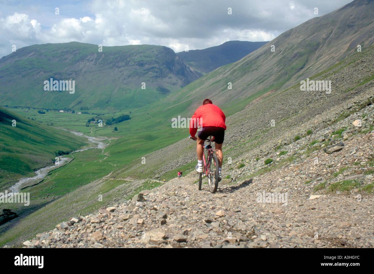 PICTURE CREDIT DOUG BLANE Doug Blane Mountain Biking in the Lake District Cumbria Stock Photo