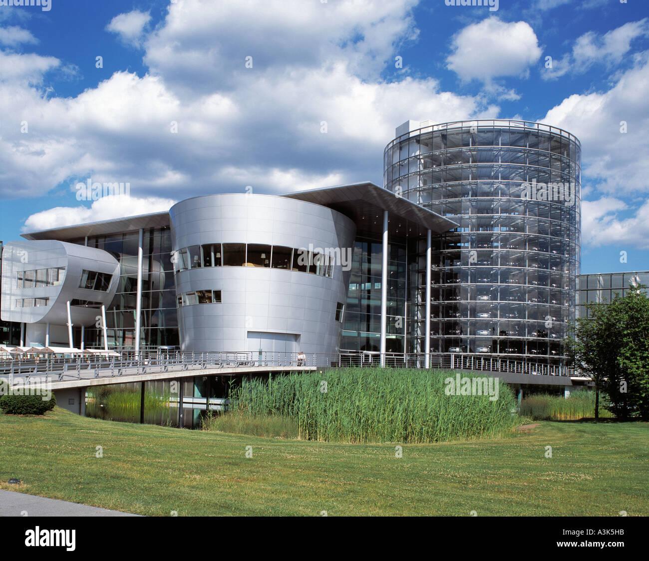 moderne Autofabrik Glaeserne Manufaktur von Volkswagen in Dresden - Stock Image