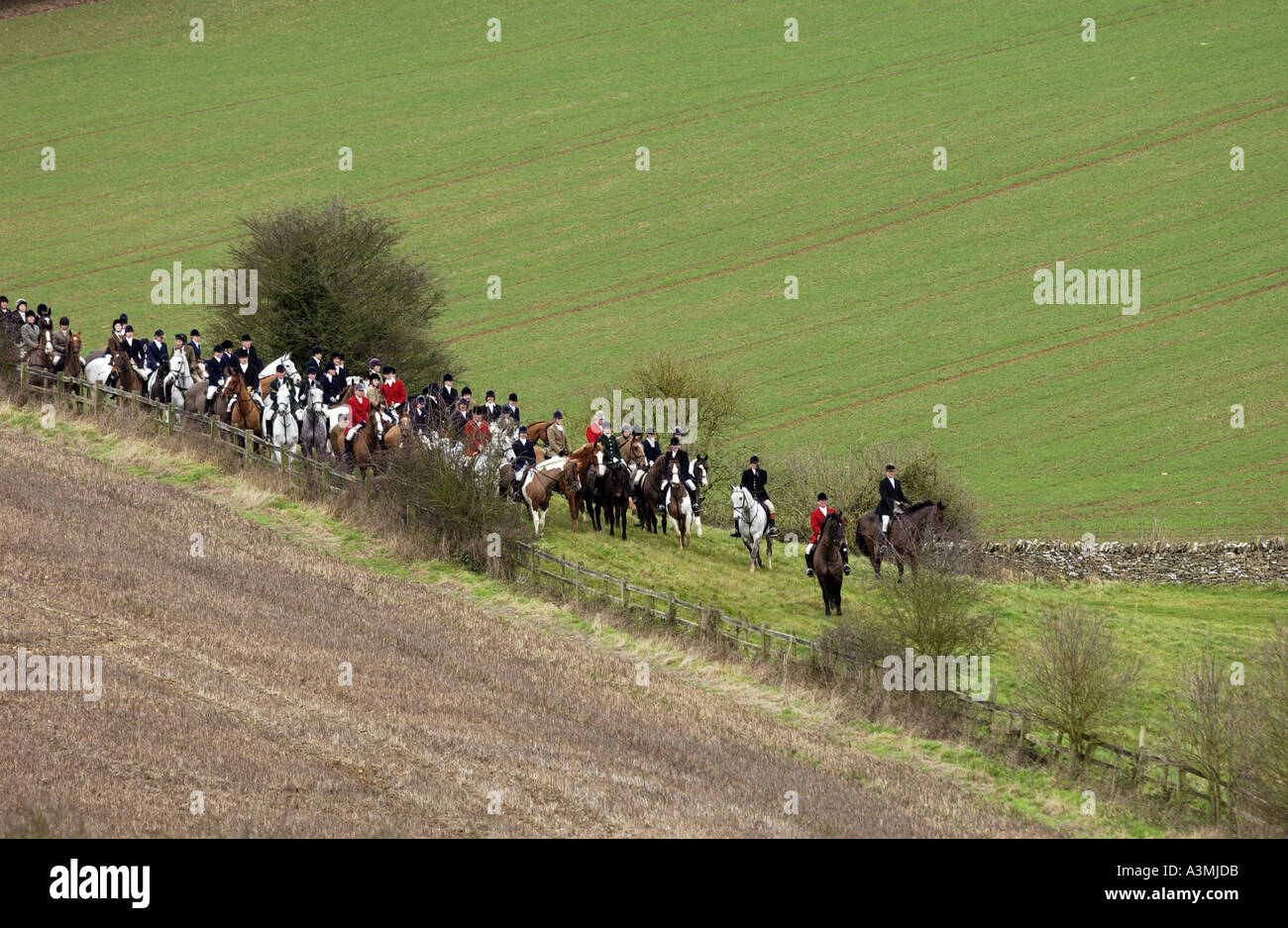 Huntsmen gather for a meet at the Heythrop New Year s Day Hunt Oxfordshire - Stock Image