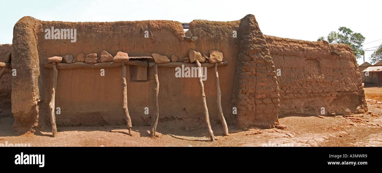 Village house Larabanga, Ghana, showing vernacular construction  of architecture - Stock Image
