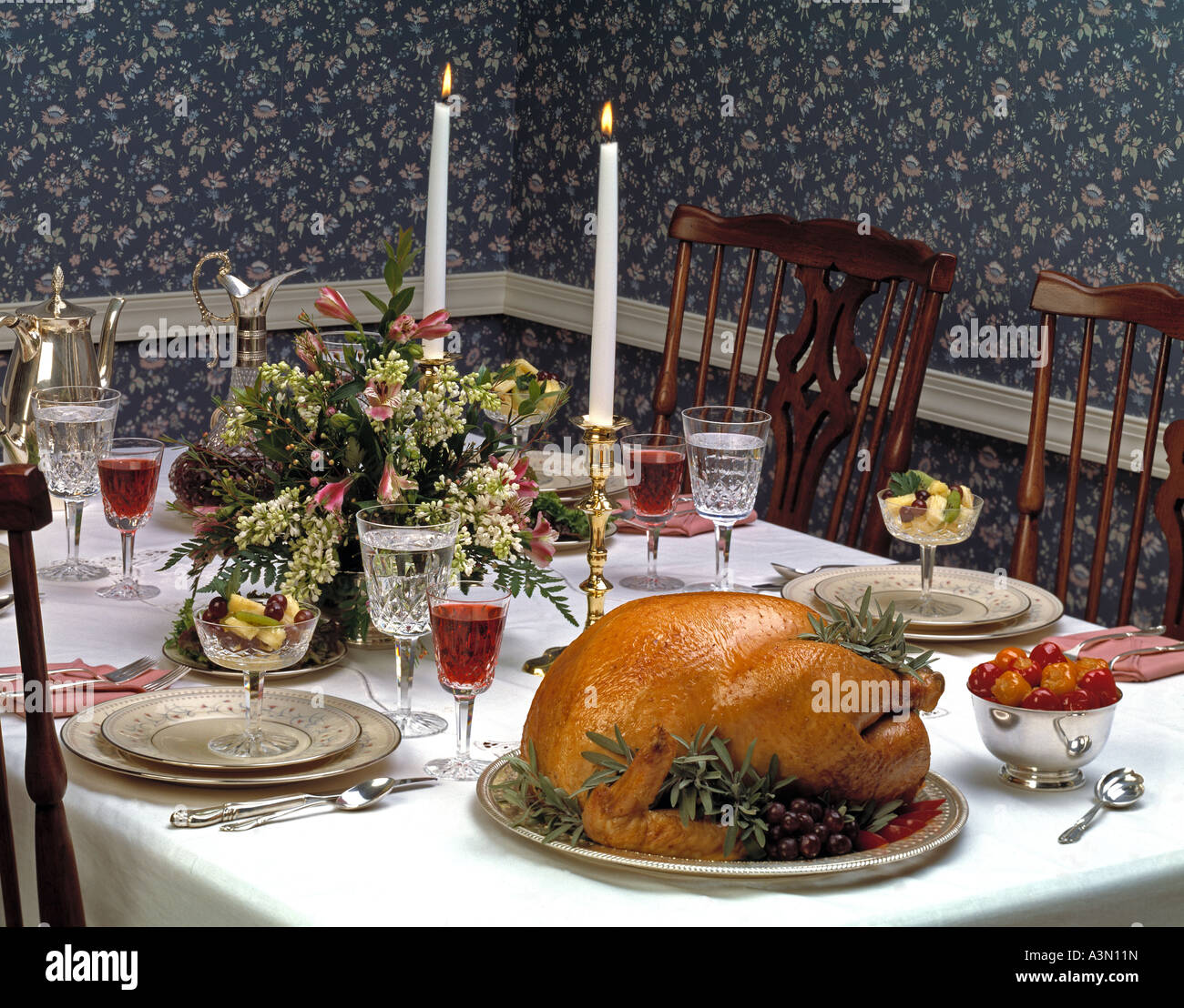 thanksgiving holiday christmas celebration formal dining room table ...