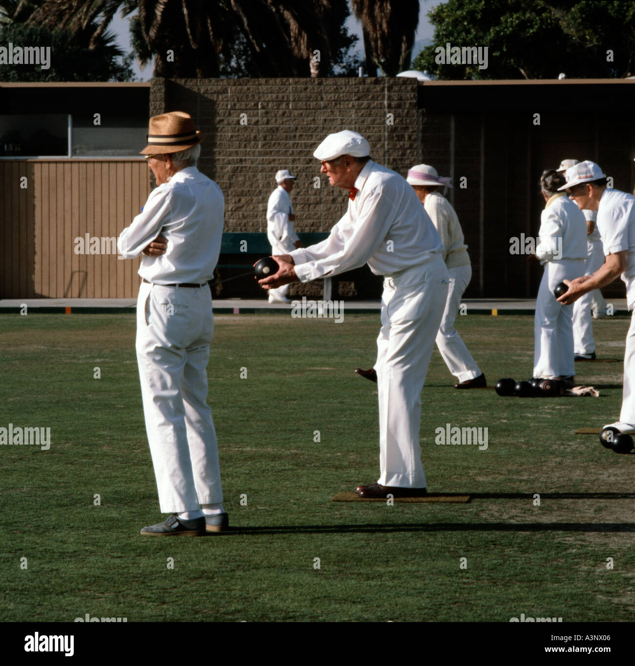 Lawn bowlers enjoying an afternoon of entertainment at Laguna Beach in Southern California - Stock Image