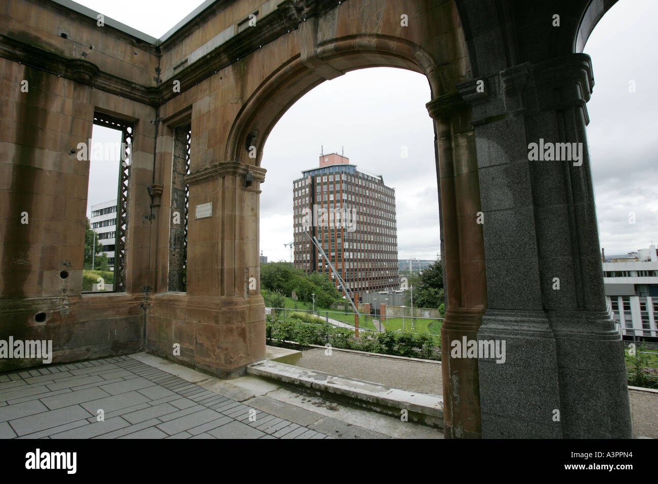 University of Strathclyde in Glasgow, Scotland. Livingstone tower seen from Rottenrow Gardens. Stock Photo