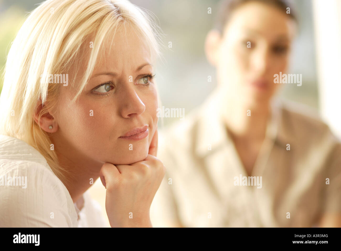 Two women in discussion - Stock Image