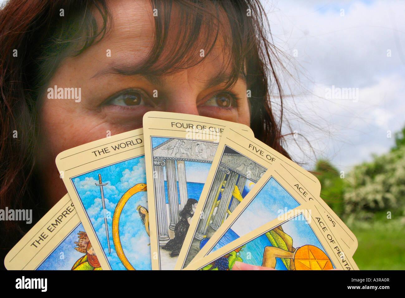 gypsy reading tarot cards - Stock Image