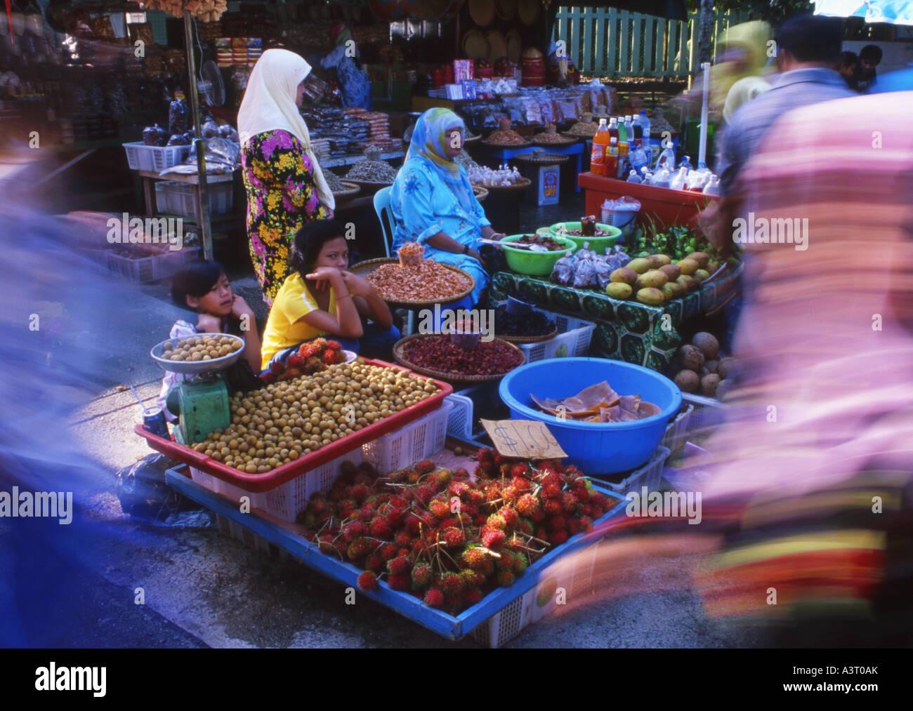 Muslim women at the Market in Bandar Seri Begawan Brunei - Stock Image