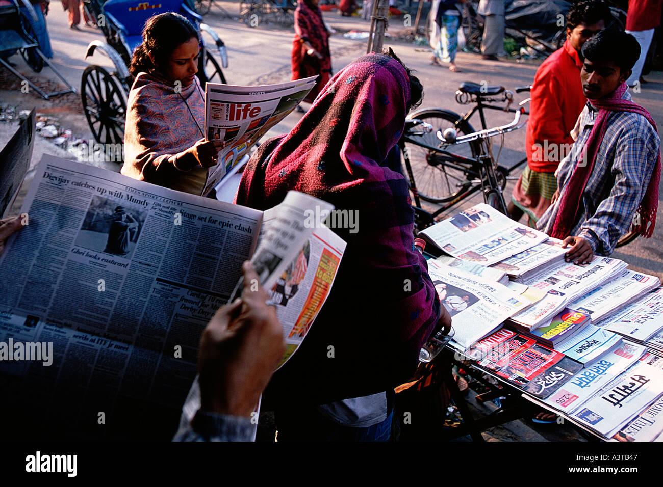Kolkata Newspaper Stock Photos & Kolkata Newspaper Stock
