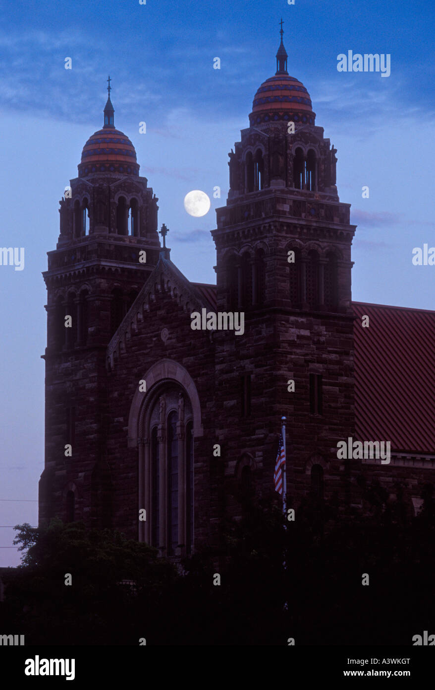 ST PETER CATHEDRAL WITH FULL MOON IN MARQUETTE MICHIGAN - Stock Image