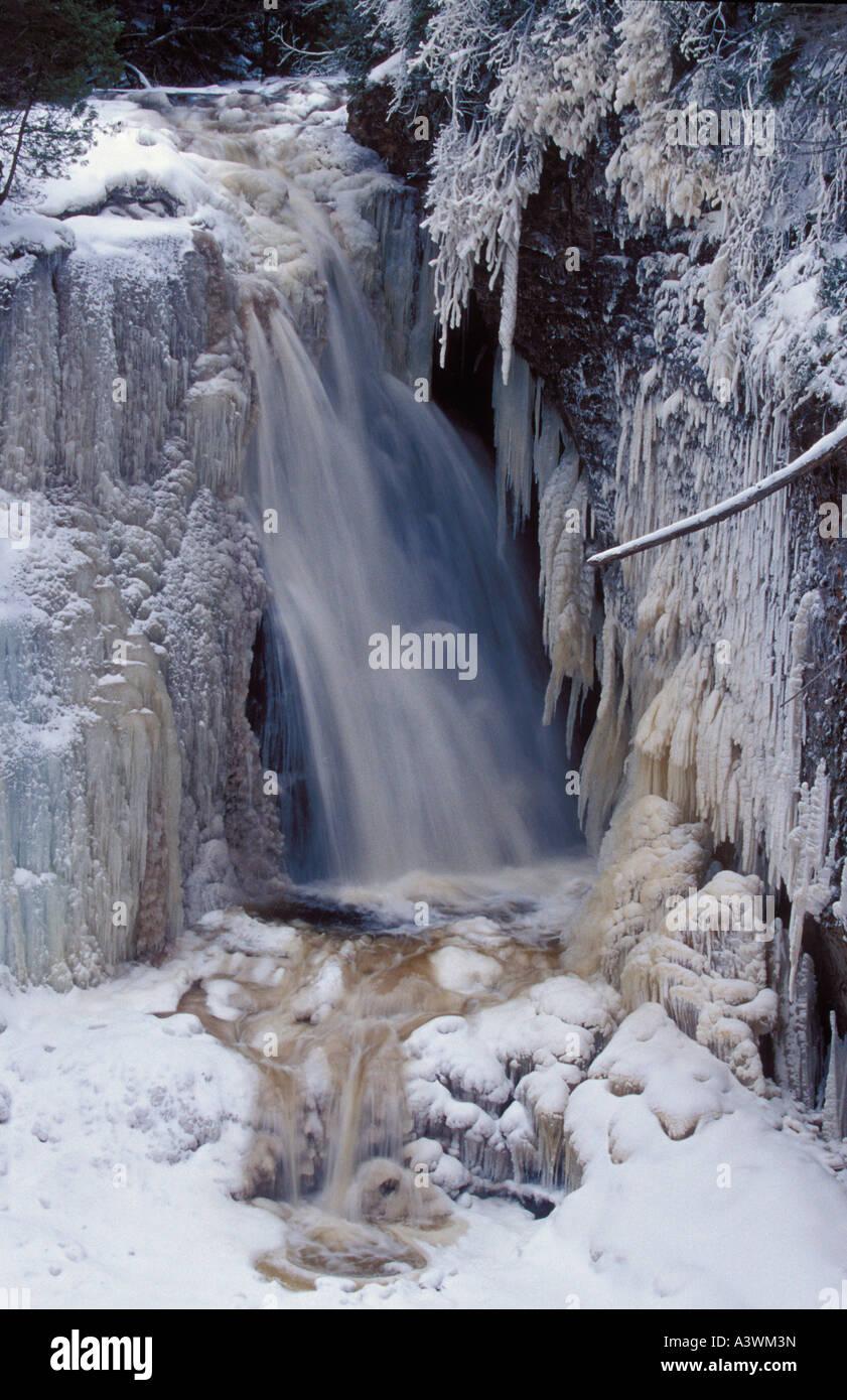 Miner S Falls In Pictured Rocks National Lakeshore Near Munising Stock Photo Alamy