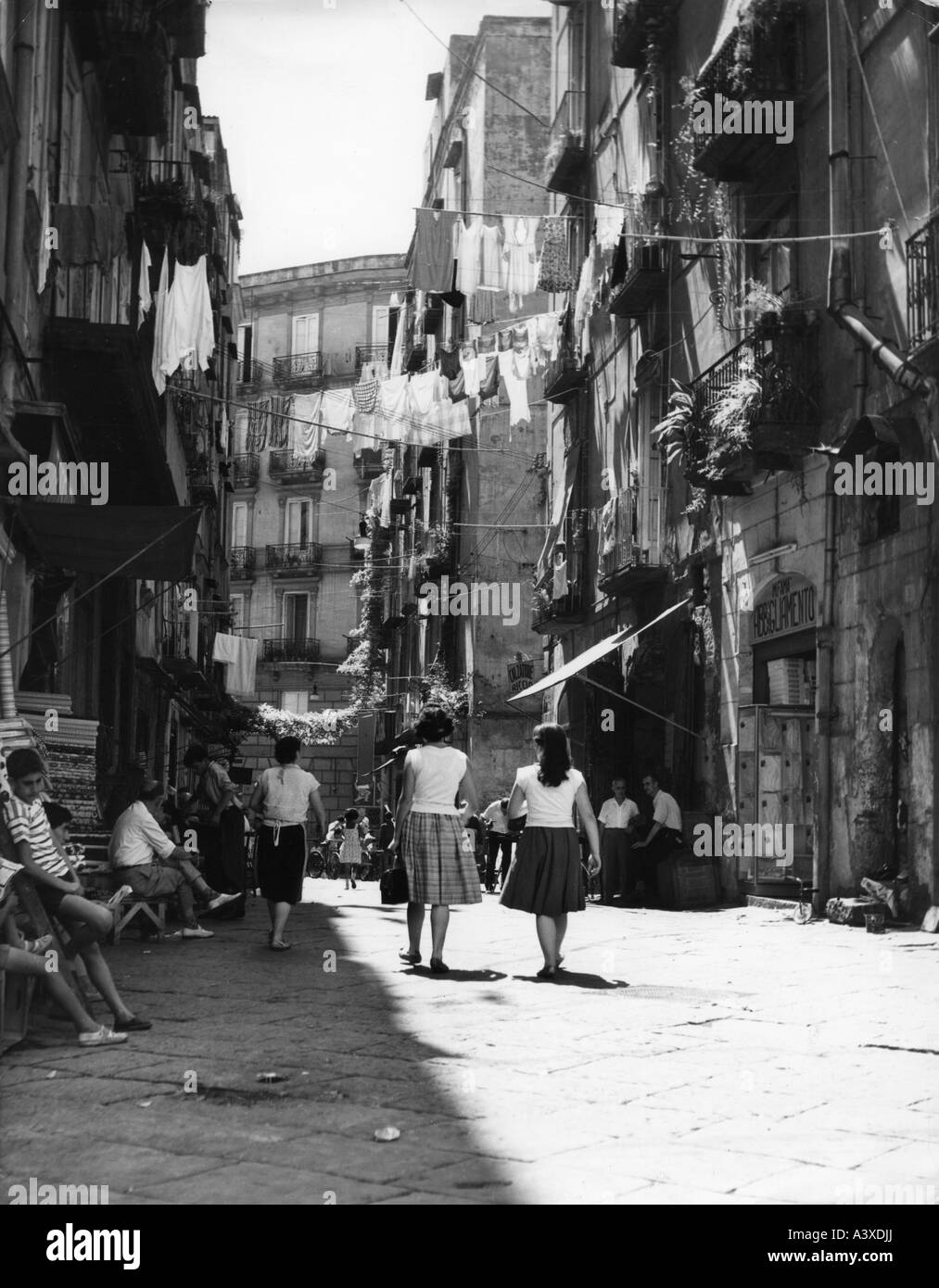 geography / travel, Italy, cities, Naples, street scenes ...