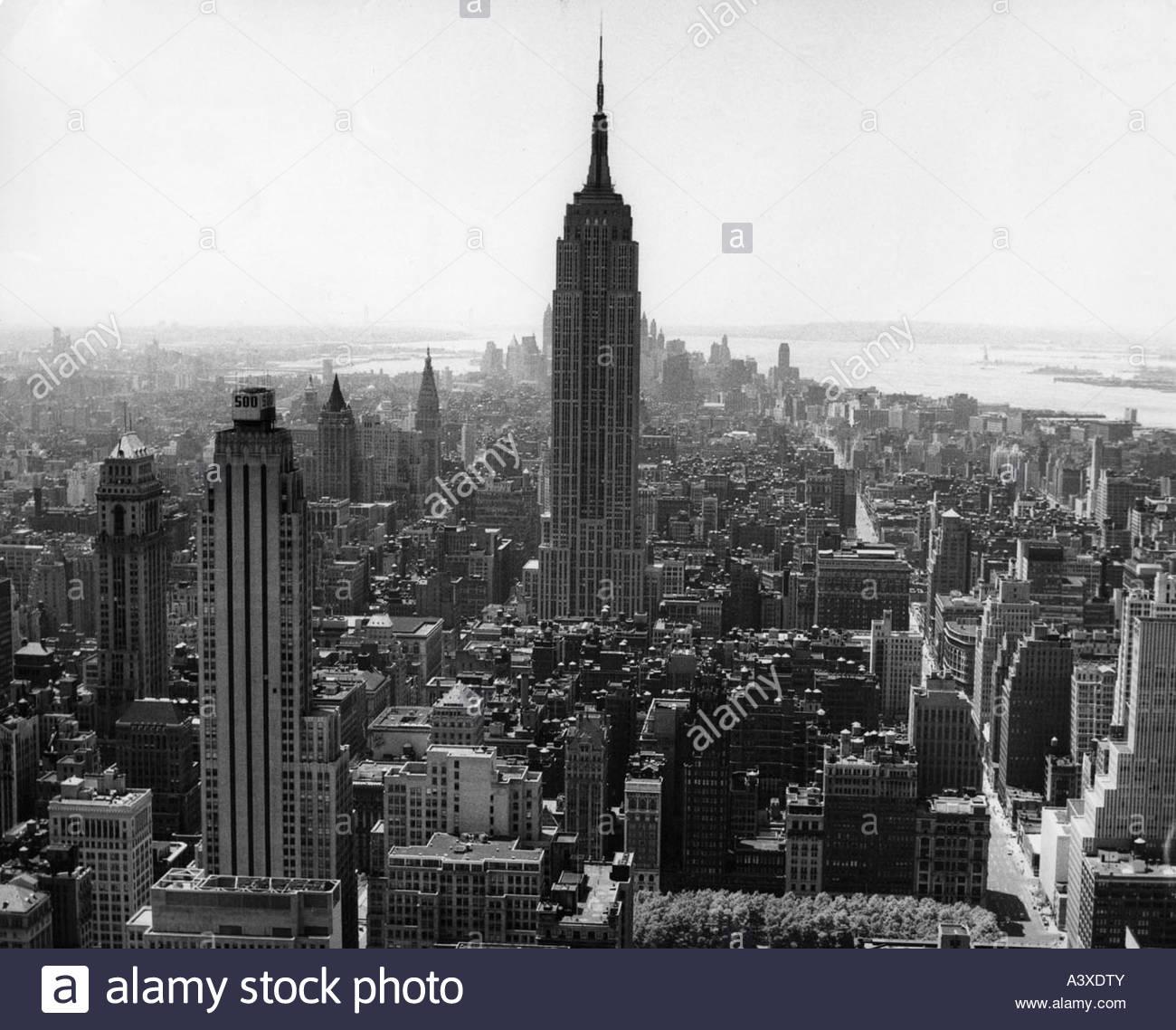 City Manhattan: New York Aerial 1950s Stock Photos & New York Aerial 1950s