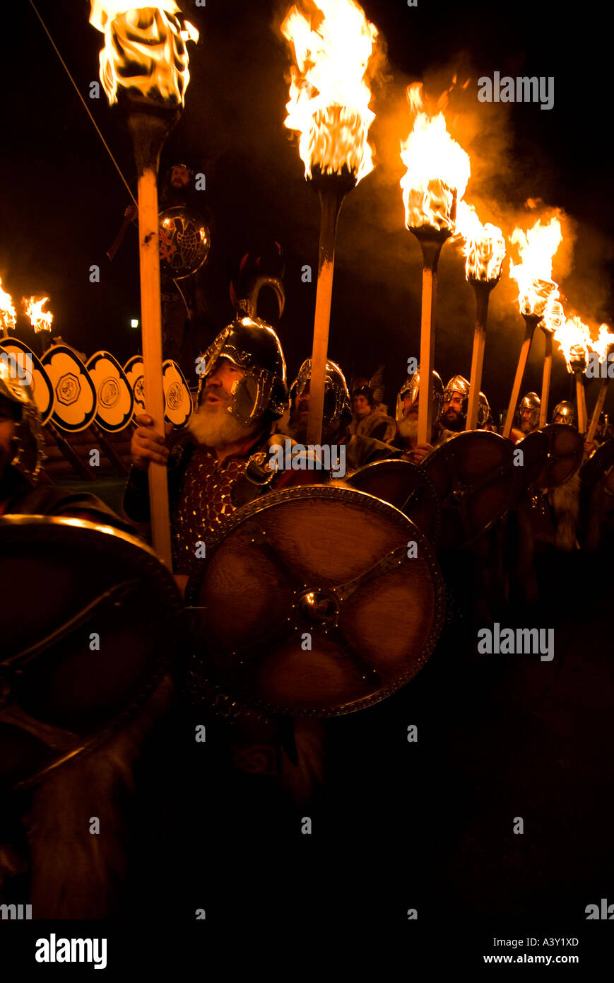 dh Up Helly Aa fire procession LERWICK SHETLAND Vikings Viking parade torches jarl squad festival Stock Photo