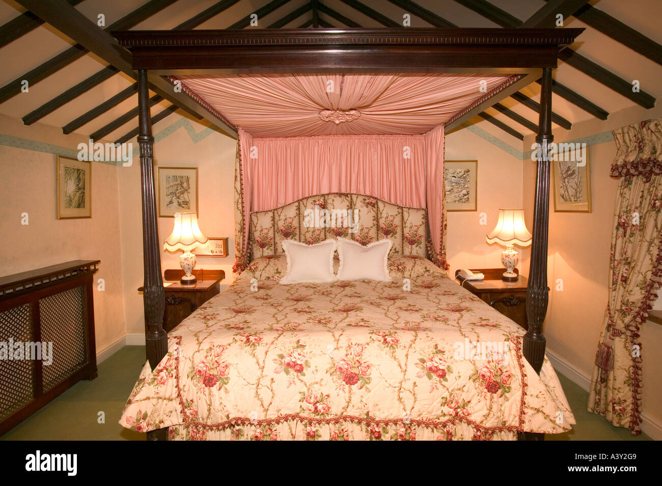 a four poster bed in the Wordsworth Hotel, Grasmere, Lake district, UK - Stock Image