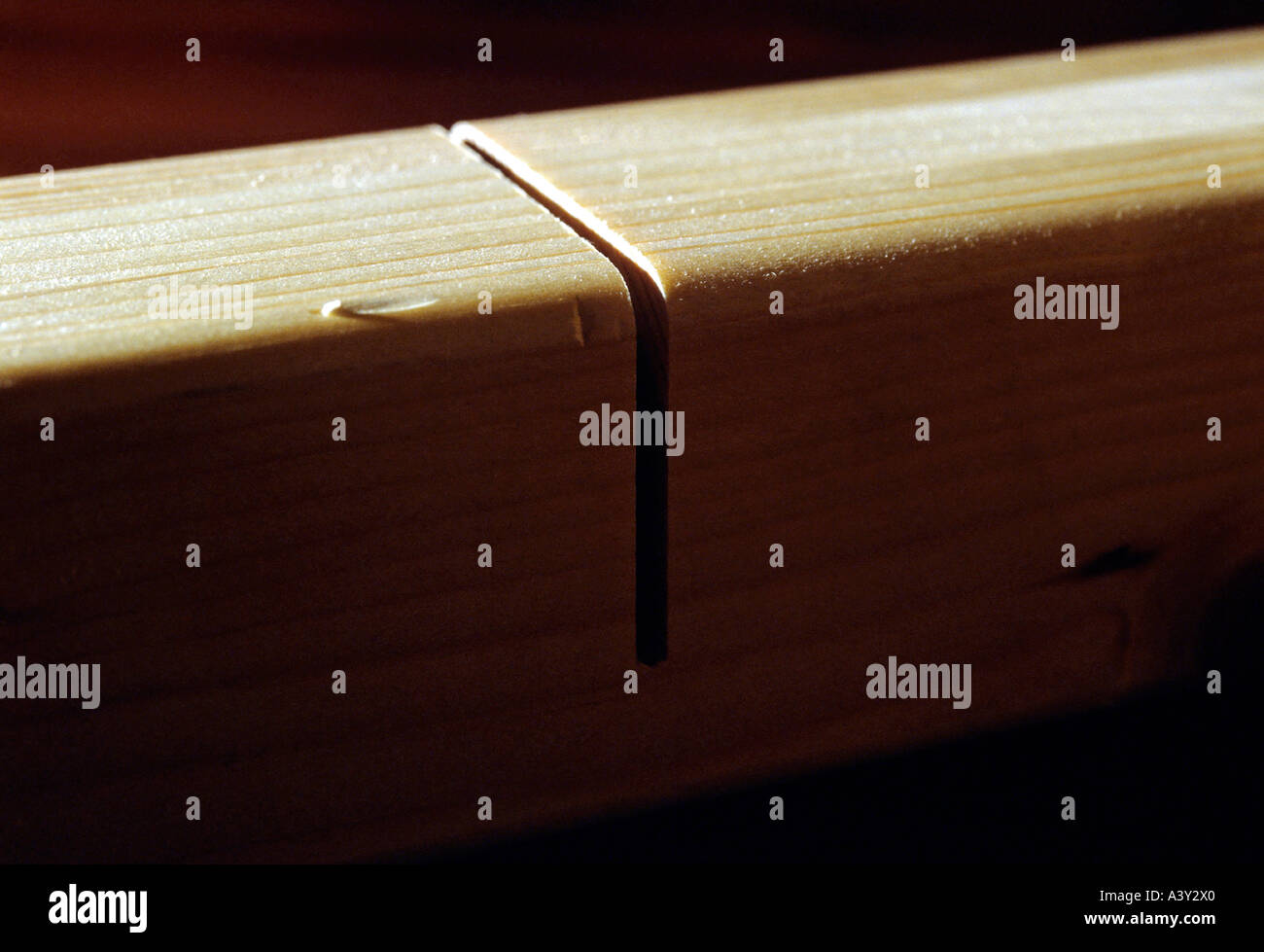 correct cut off angle in timberbeam - Stock Image