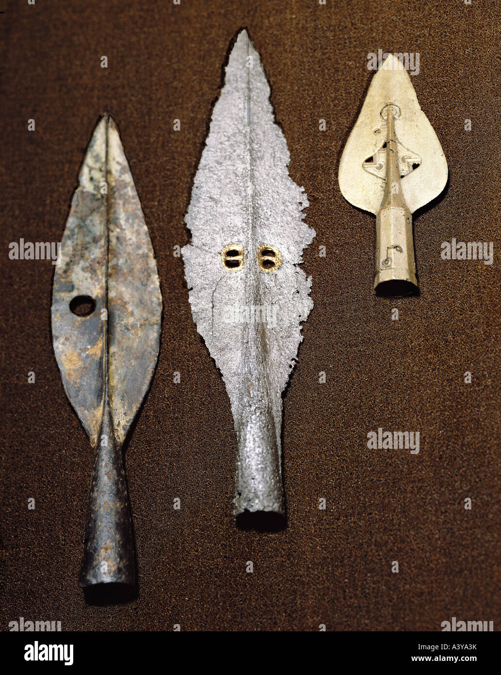 weapons, early history, Ireland, polearms, spears, left: spearhead, bronce, Boho, County Fermaneigh, center: spear - Stock Image