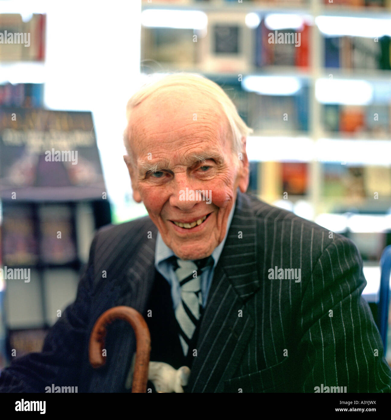 Former Daily Telegraph Editor and Conservative MP Bill Deedes at the 2005 Guardian Hay Festival, Hay-on-Wye, Wales, - Stock Image
