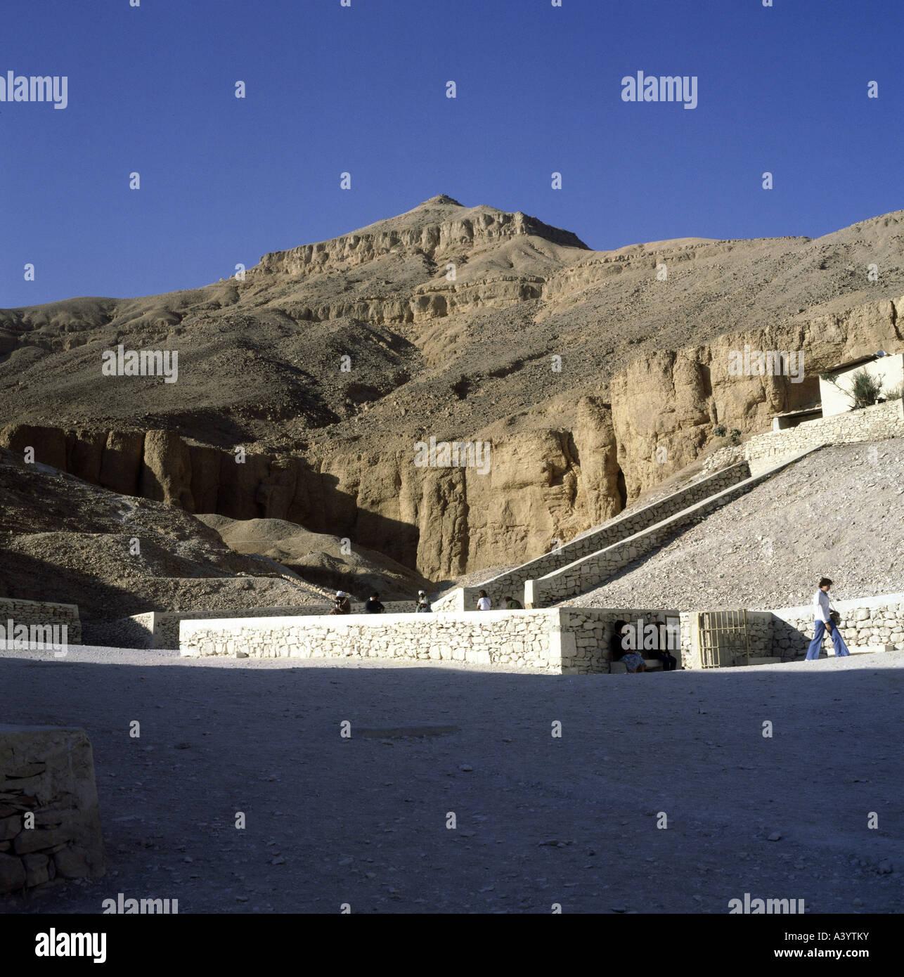 Travel Geography: Tutankhamun Tomb Entrance Stock Photos & Tutankhamun Tomb