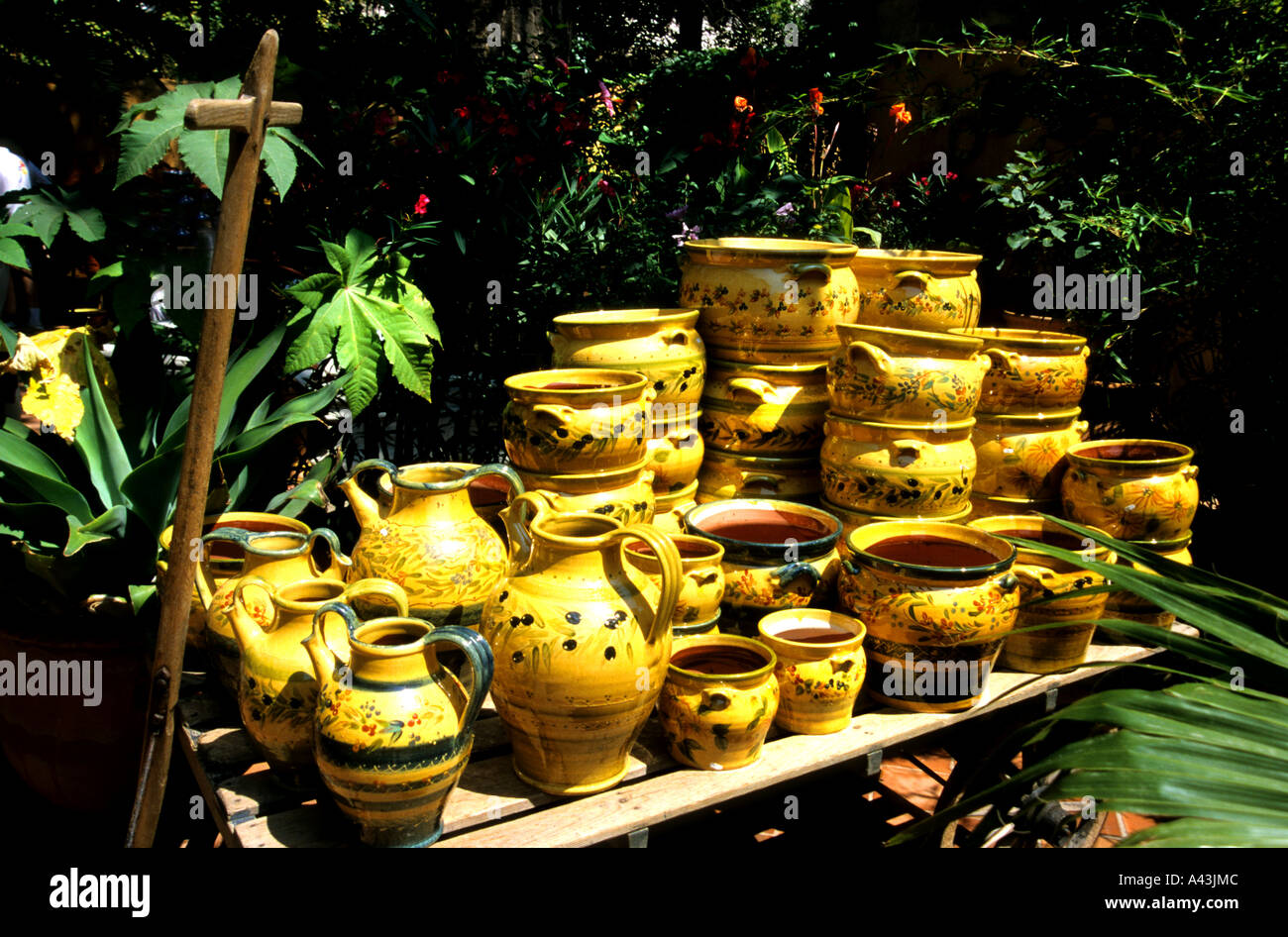 Provence France French Pottery tableware & Provence France French Pottery tableware Stock Photo: 6241483 - Alamy