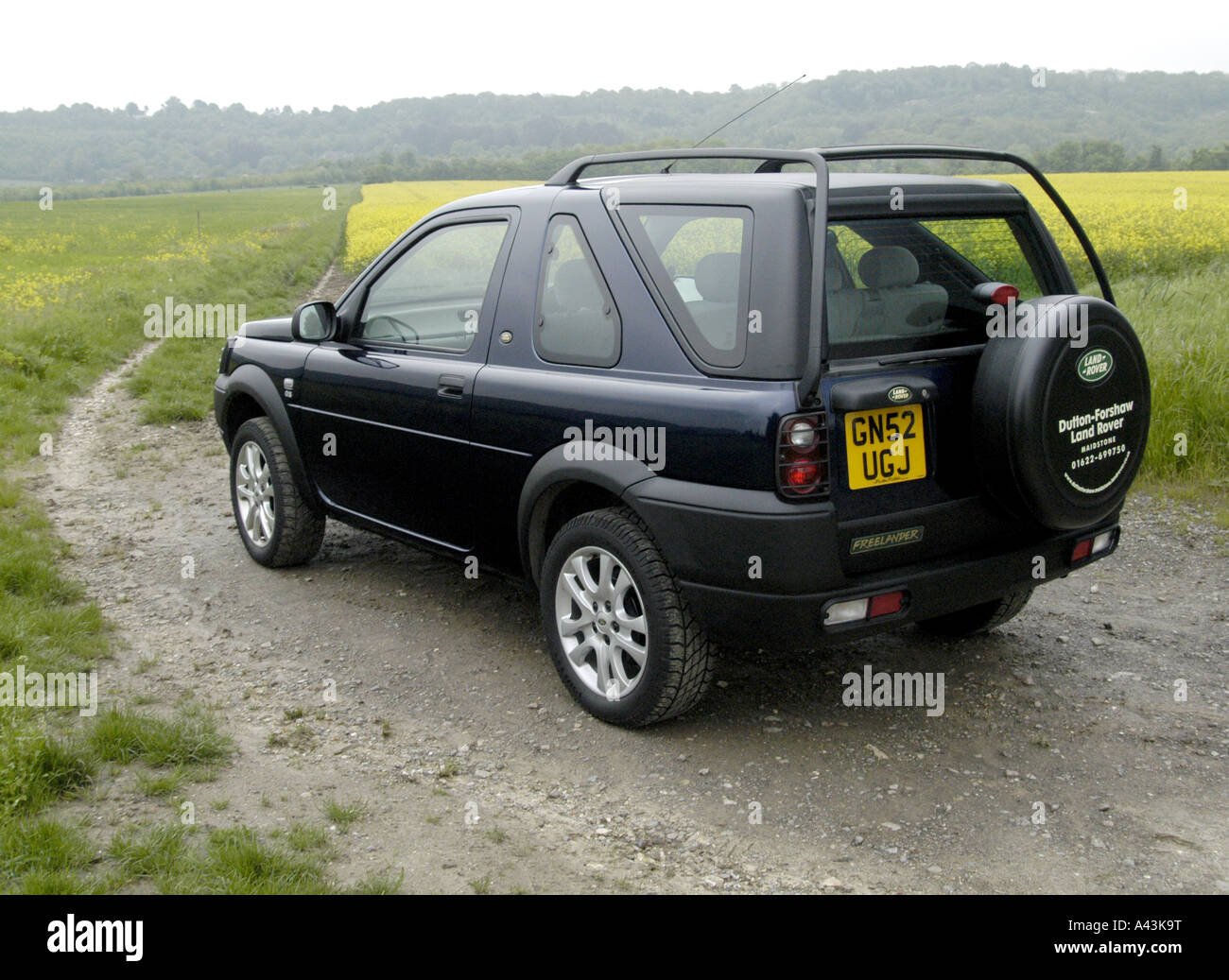 land rover freelander off road in the countryside stock. Black Bedroom Furniture Sets. Home Design Ideas