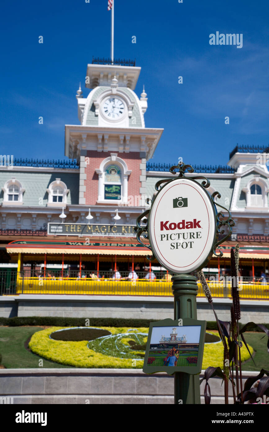 Kodak Picture Spot sign shows park guests best photo opportunities - Stock Image
