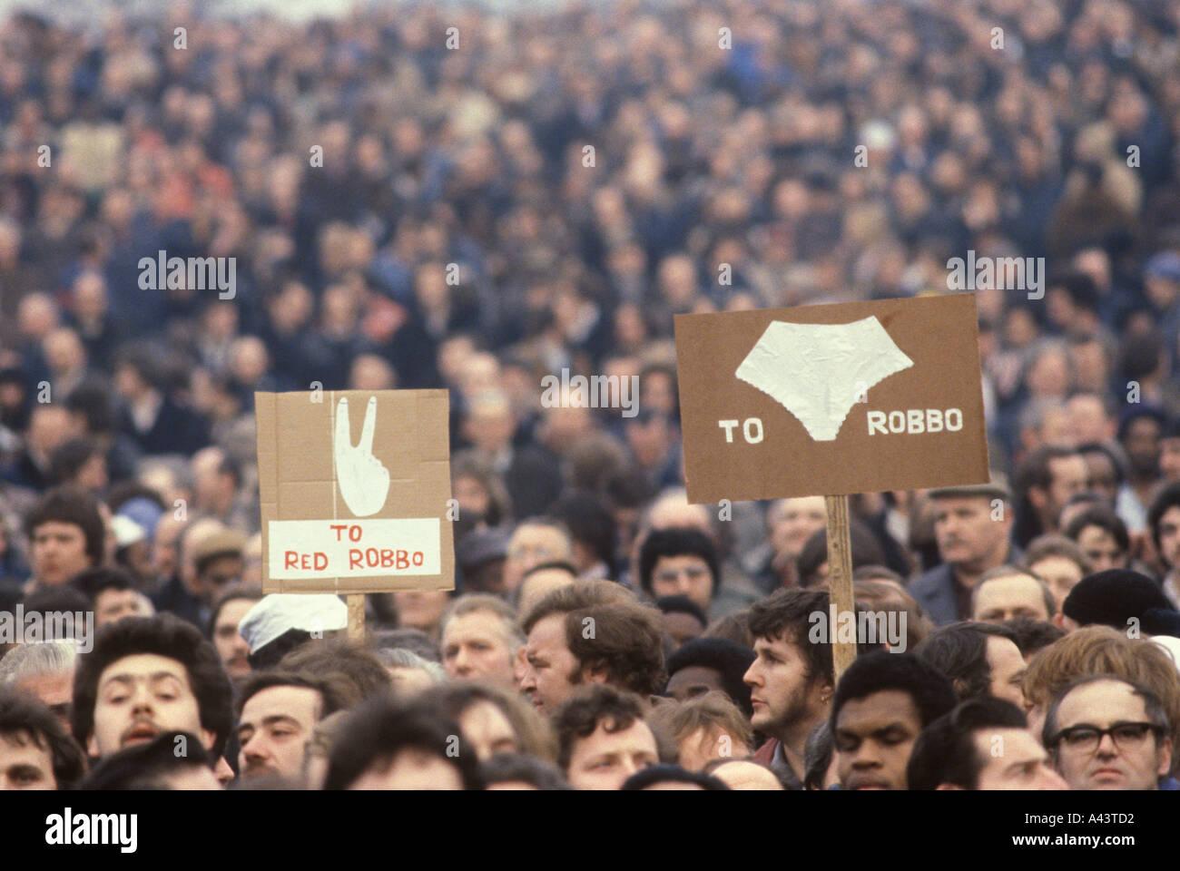 Mass meeting  British  Leyland Longbridge car plant Birmingham anti Derek Robinson protest February 1980 1980S UK HOMER SYKES - Stock Image