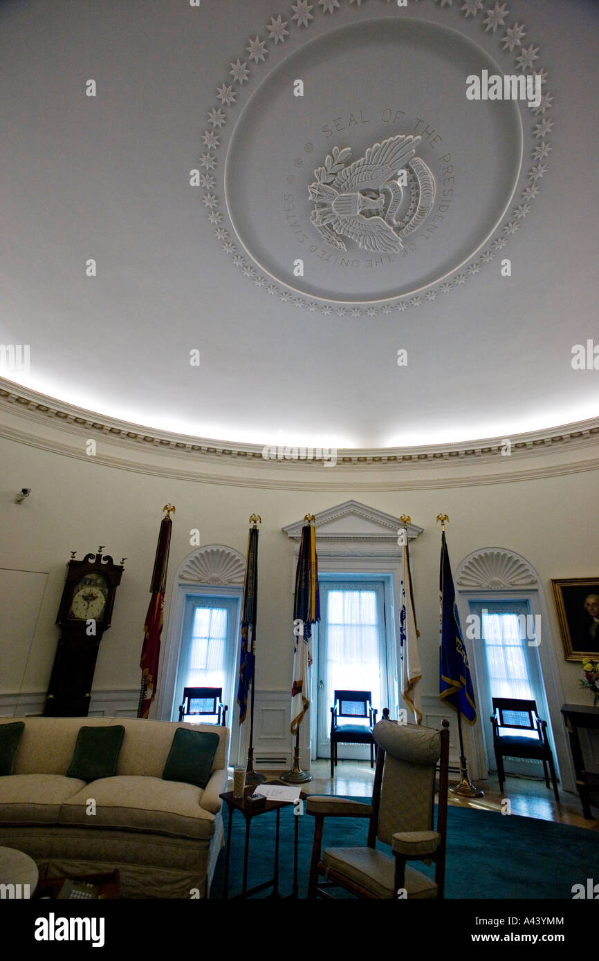 lbjs office president. TEXAS Austin Oval Office Replica Interior Of LBJ Presidential Library And Museum Seal On The Ceiling Lbjs President