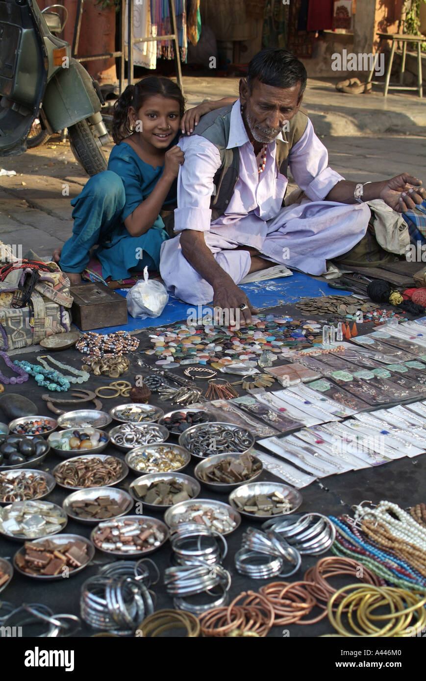 Street vendor selling jewellery in Jaipur India Stock Photo