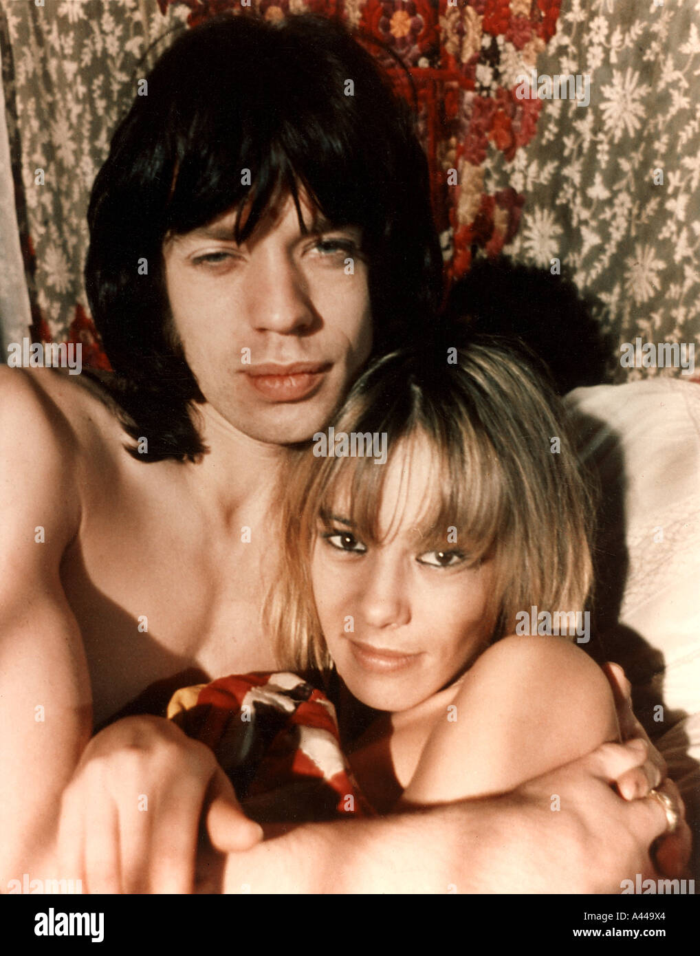 PERFORMANCE Mick Jagger and Anita Pallenberg in the 1970 Warner film - Stock Image