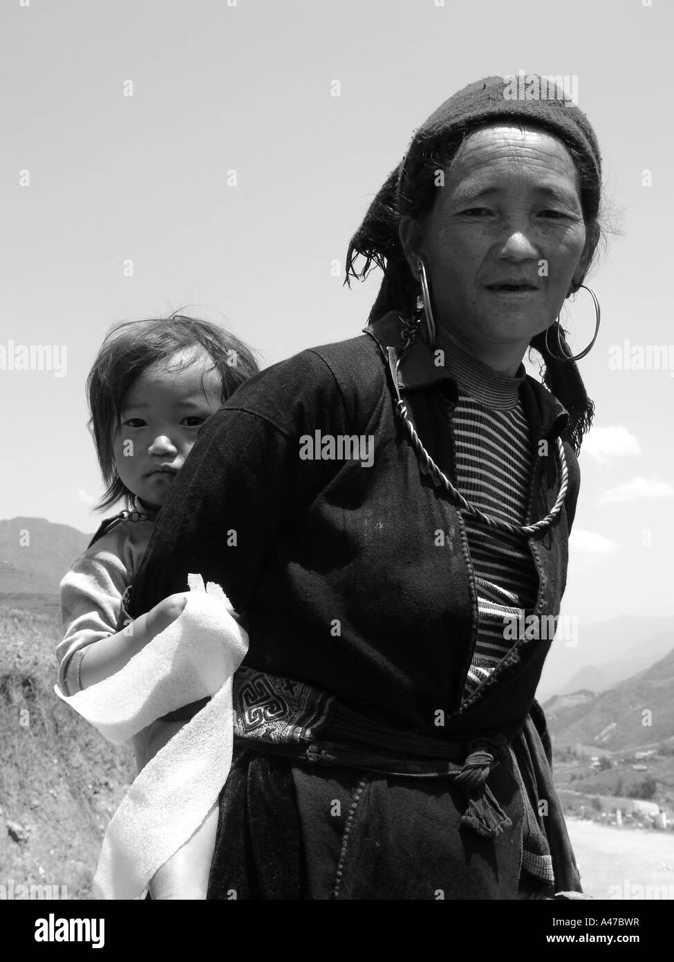 Mother and daughter of a small village near Sapa in northern Vietnam. - Stock Image