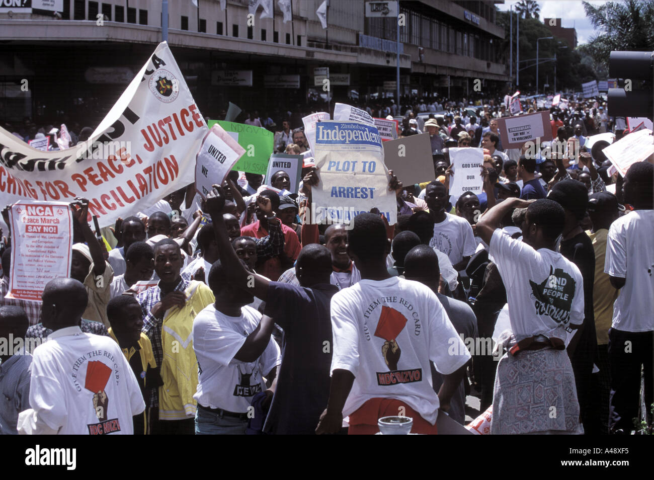 peace rally harare 1 4 00 protest against the governments collusion with farmstead squatters Stock Photo