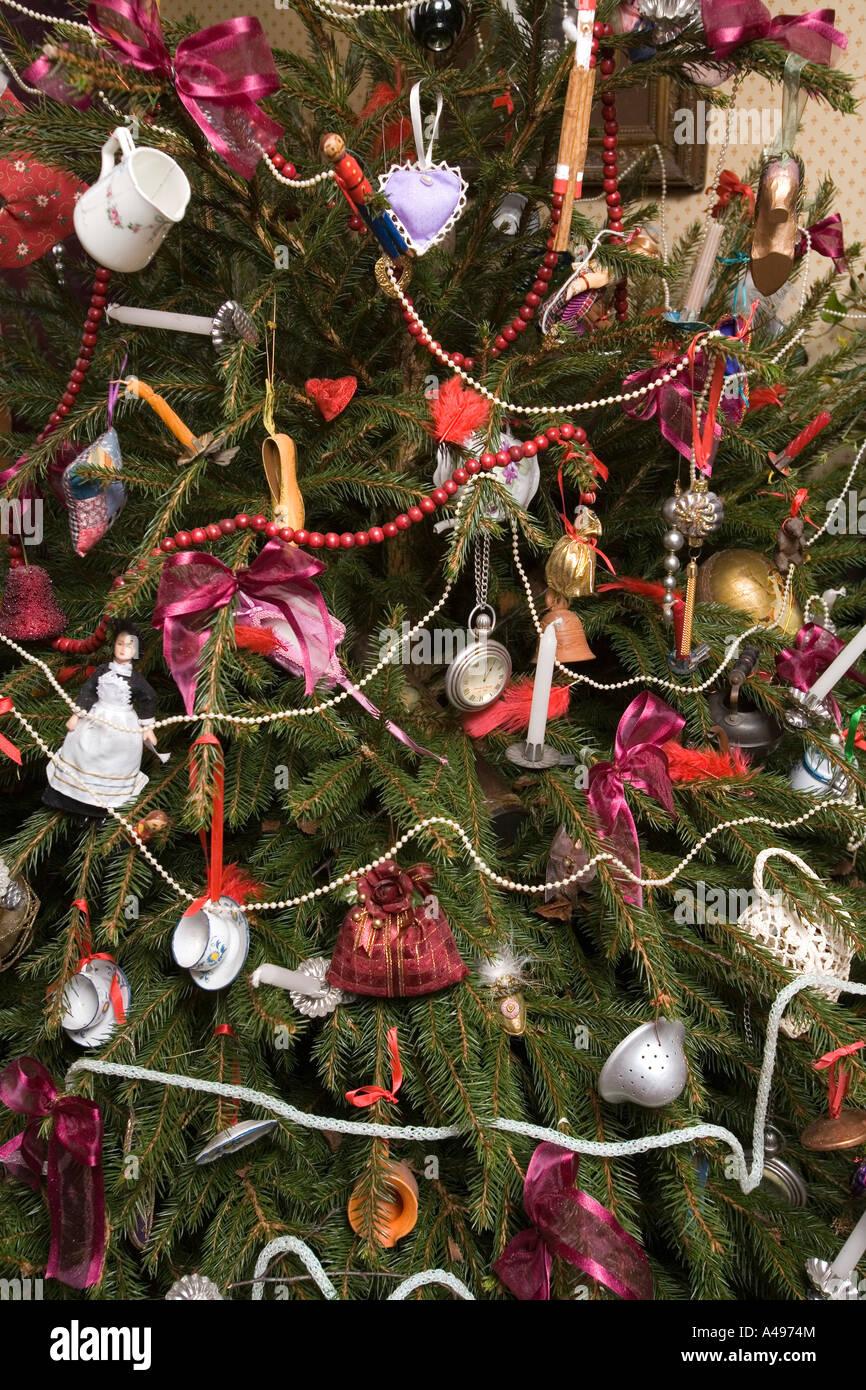 uk shropshire ironbridge blists hill museum doctors cottage late victorian christmas tree decorations stock image