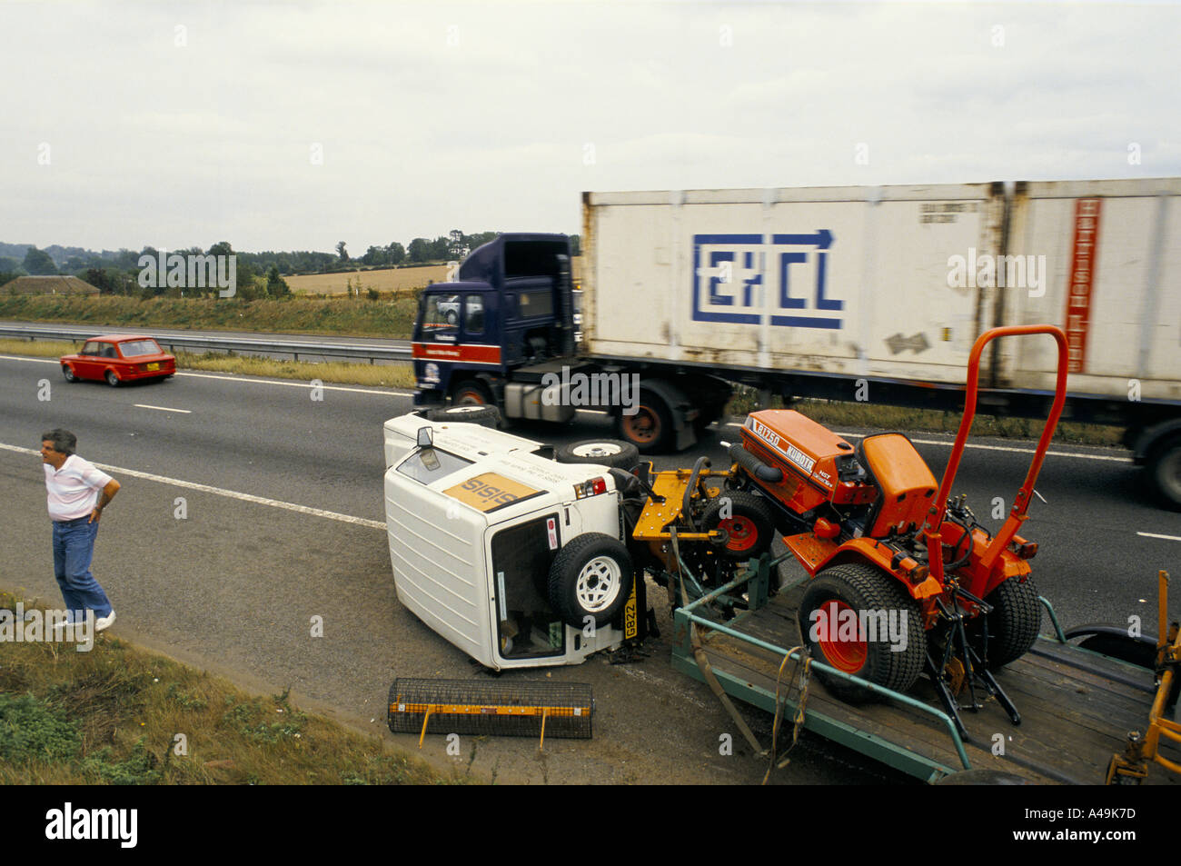 Garden Tractor Pulling Crashes : Scene of m motorway crash involving jeep turned over on