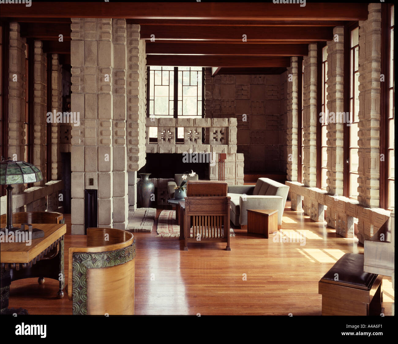 Storer house los angeles california 1923 living area architect stock photo 304881 alamy Frank lloyd wright the rooms interiors and decorative arts